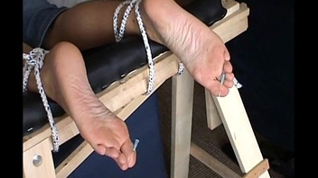 Extreme foot fetish and feet needle bdsm of mature lay slave girl in harsh m