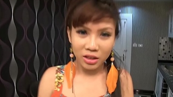 Teen Ladyboy Luktan Blowjob n Mouthful